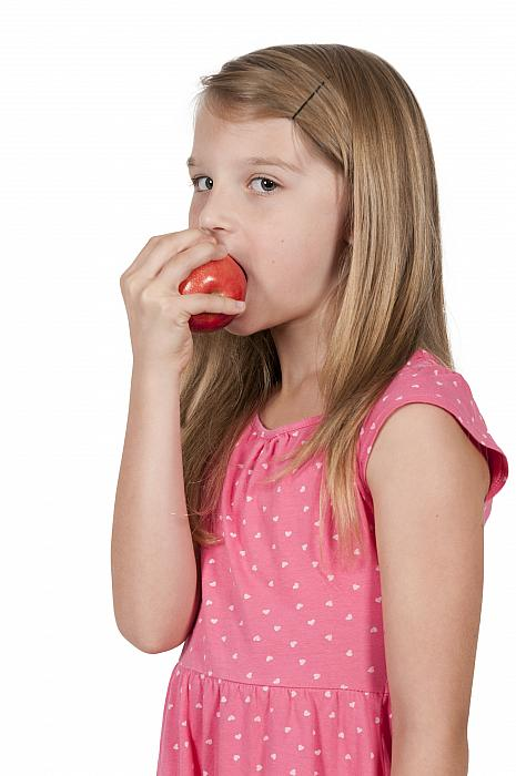 kozzi-20470595-Little Girl Eating an Apple-2278x3430
